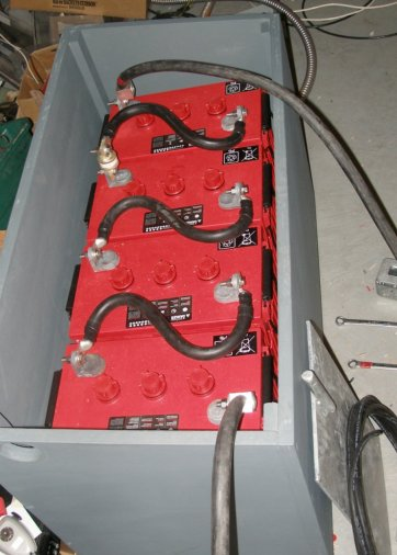 A batterey box with Surrett S-600, 6 volt batteries at 450 amp hours at a 20 hour rate.