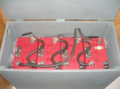Vented battery box with four Surett S-600 batteries. 450 amp hour (20hr) capacity at 24 volts.